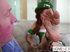 Vanna bardot wants her stepdad to screw her seductive feet