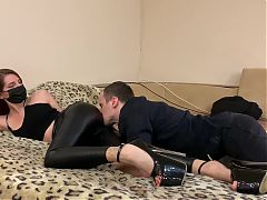 Ass worship and butt kissing – femdom in leather pants